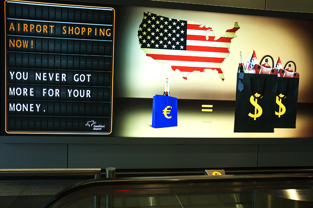 Euro collapse presented as shopping opportunity for Americans--Frankfurt