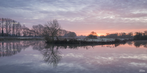 uk greatbritain november trees winter england panorama cold southwest ice nature water sunrise canon reflections river print landscape photography dawn countryside photo europe frost photographer natural image unitedkingdom wwii picture photograph british fortifications riverthames oxfordshire pillbox freshwater britishcountryside buscot landscapephotography wardefences lechlade leefilters jaketurner gradfilters canon5dmarkiii leegradfilters cheesewharf jrturnerphotography canon1635mmf4l
