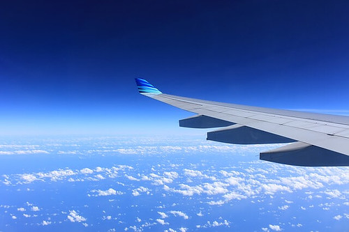 飛行機 by pixabay