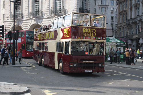 Big Bus Tours D991 G991FVX
