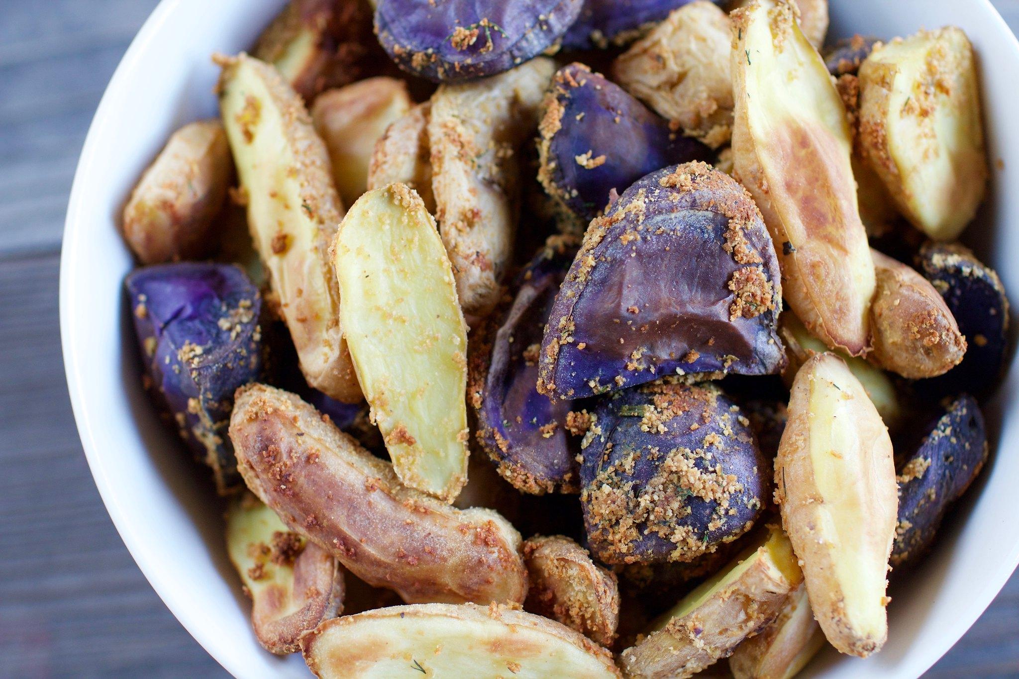 Crispy Oil-Free Noochy Potatoes {hclf vegan} sweetsimplevegan.com #vegan #oilfree #hclf