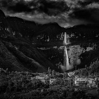Cocachimba & Gocta Falls #cocachimba #gocta #peru #america #travel #goodtimes #falls #blackandwhite #sony #rx100m4 #photooftheday #picoftheday #instapic #igers #igerscatalunya #landscape