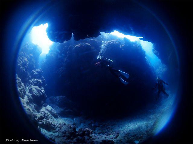 洞窟の光もキレイでした!