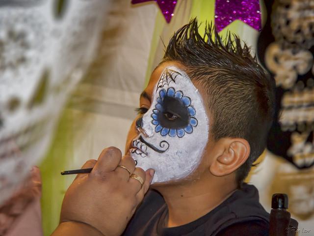 Día de Muertos face painting