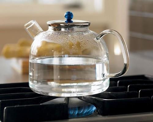 Повторно кип'ятити воду — шкідливо