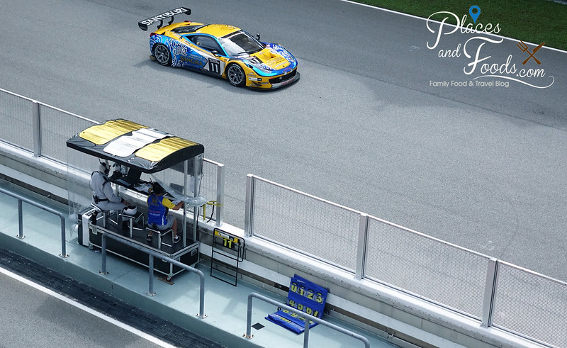team singha control with ferari 458gt3