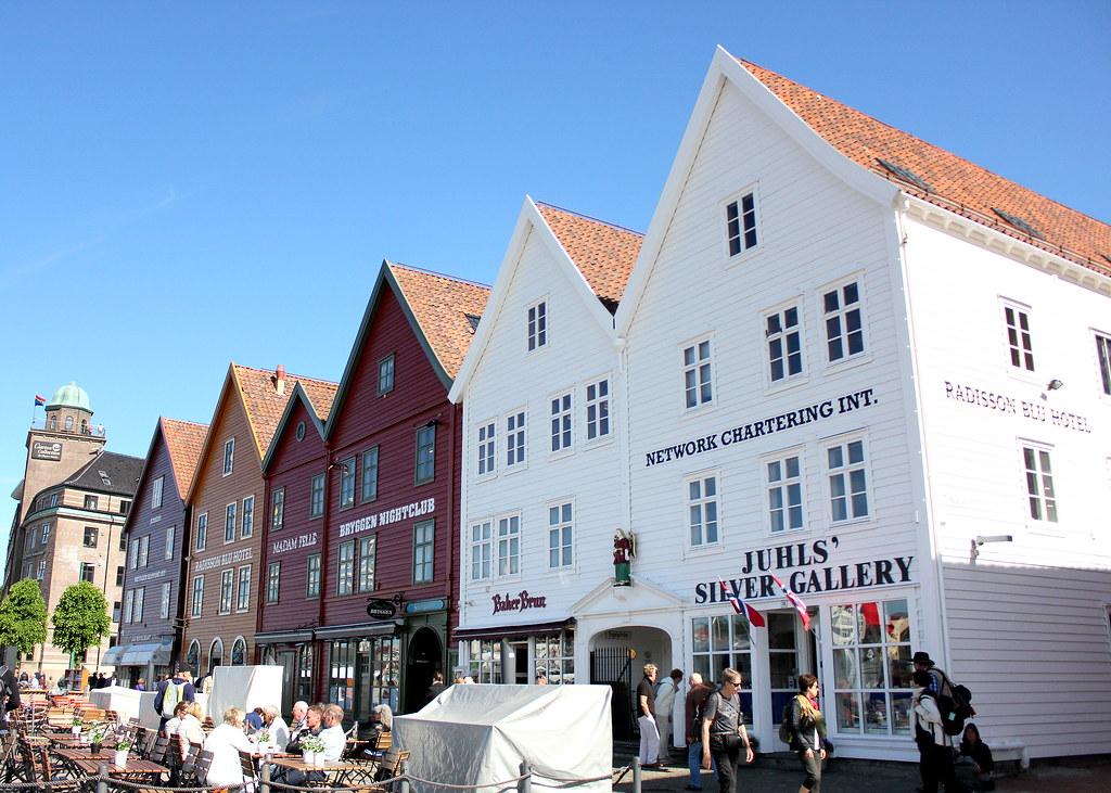 bryggen-houses