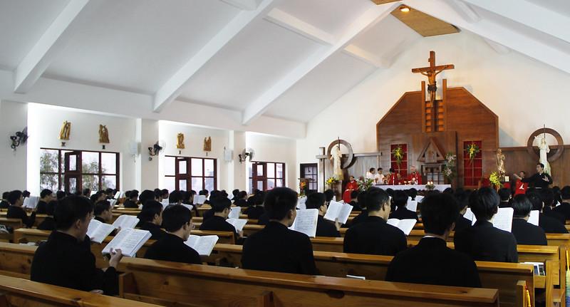 Anh Em Chủng Sinh Khoá IX - ĐCV Thánh Giuse Xuân Lộc Mừng Lễ Thánh Bổn Mạng Tôma Trần Văn Thiện