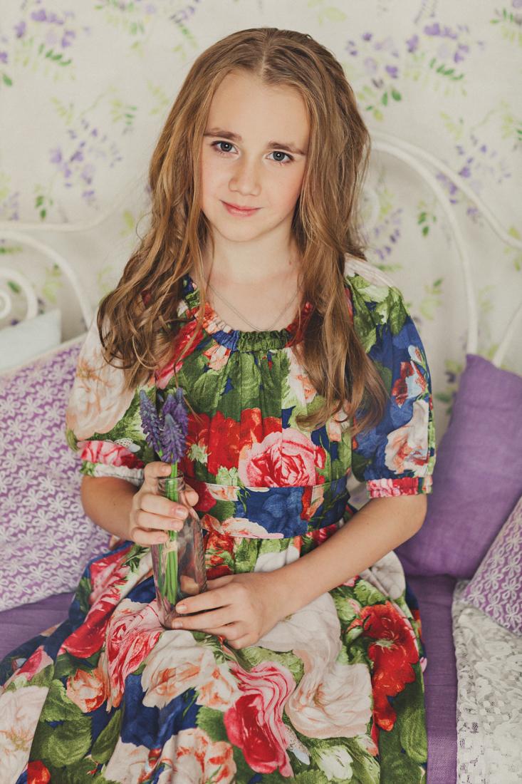 Детская фотосессия, фотосессия для девочки в интерьерной студии, фотосессия для ребенка, фотостудия