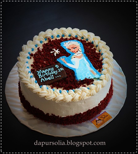 Red Velvet Cake with Frozen Elsa Theme