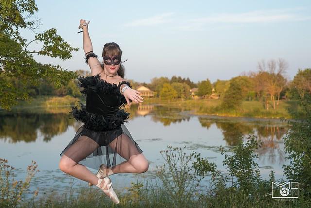 Veronica Ballet jump