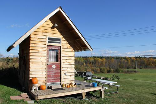 tiny-house-exterior-001