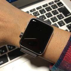 Apple Watchを右手仕様に。