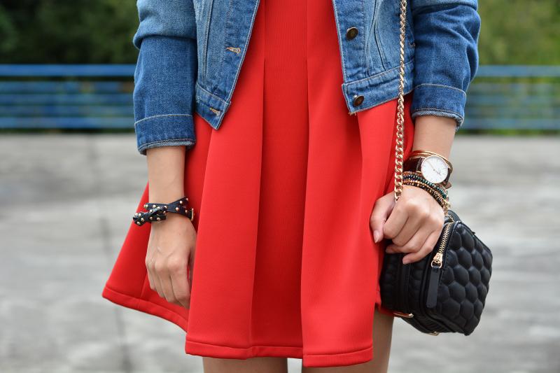 zara_abaday_ootd_outfit_vestido_rojo_denim_07