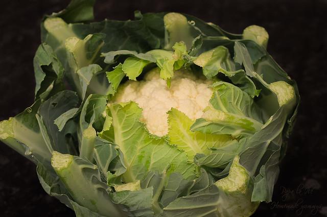 Paste proaspete umplute cu pesto de kale in sos alb cu conopida, alune de padure si bacon crocant (12)