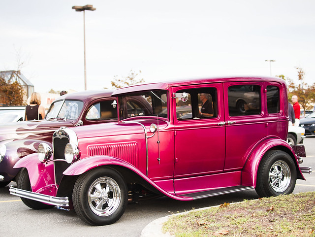 02 - Pink sedan