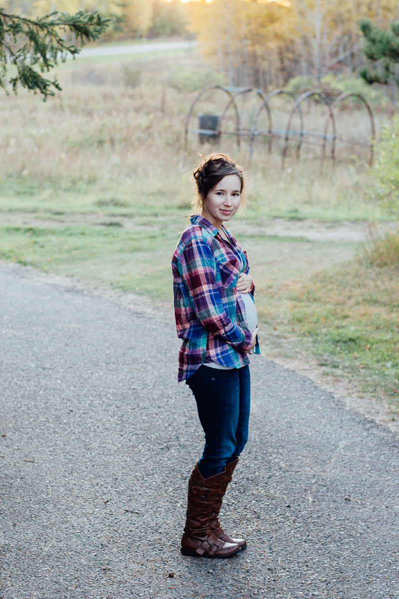 Fall Maternity Style: Casual Plaid