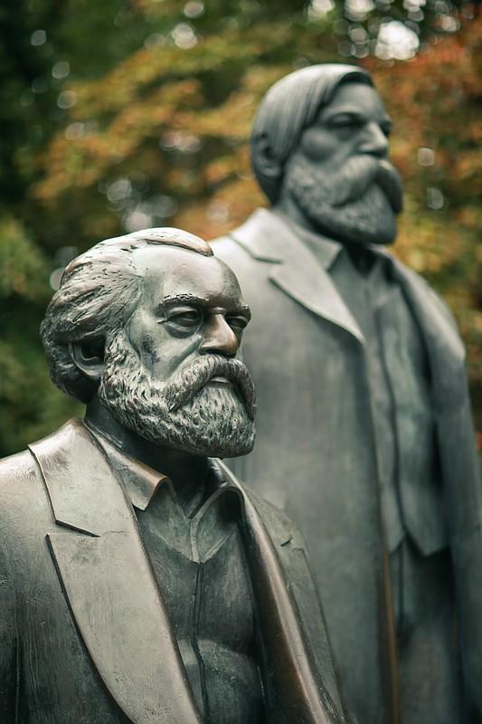 Marx-Engels-Denkmal