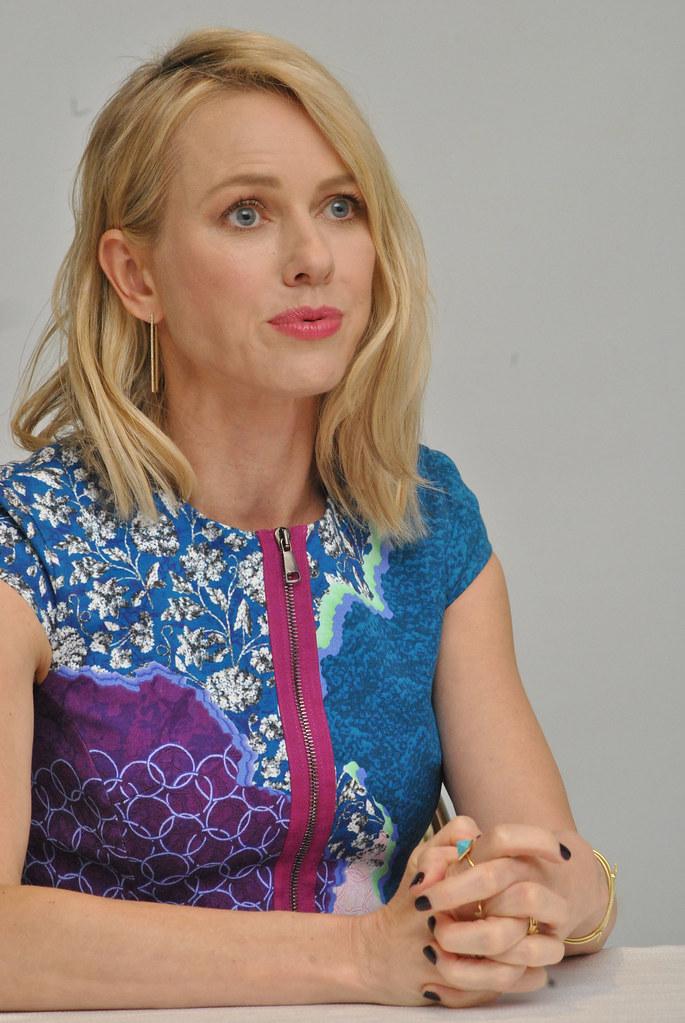 Наоми Уоттс — Пресс-конференция «Инсургент» 2015 – 10