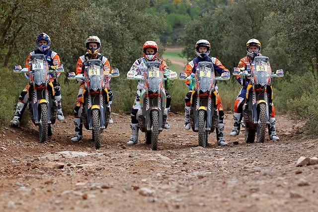 Заводская команда Red Bull KTM готова к новому Дакару