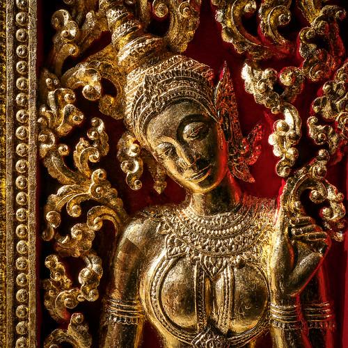 Beautiful carvings in Wat Xieng Thong, Luang Prabang, laos ルアンパバーン、ワット・シェントーンの優美な彫刻