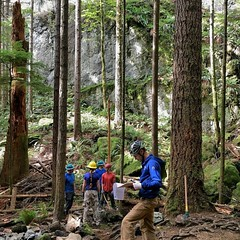 Day 4 of the REEL ROCK FEST, stewardship with the @accessfund, @washingtonclimbers #mountainstosoundgreenway, and a solid crew of volunteers putting in their time. AF NW Director Joe Sambataro getting official at base of World Wall.