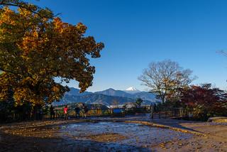 閑散としてますね・・・高尾山山頂展望台