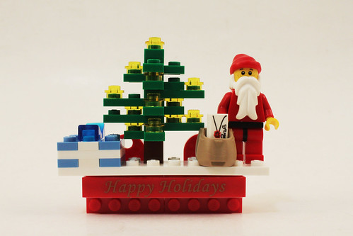 LEGO Seasonal Holiday Scene Magnet (853353)