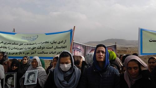 بازمانده های قربانیان در افغانستان خواستار مجازات جنایتکاران جنگی هستند