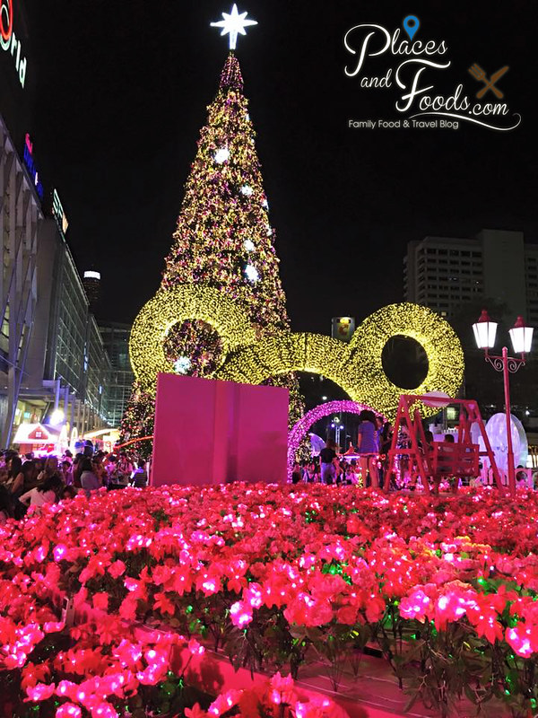 central world bangkok 2015 christmas tree with mickey