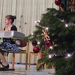 Weihnachtslieder mit jungen Talenten