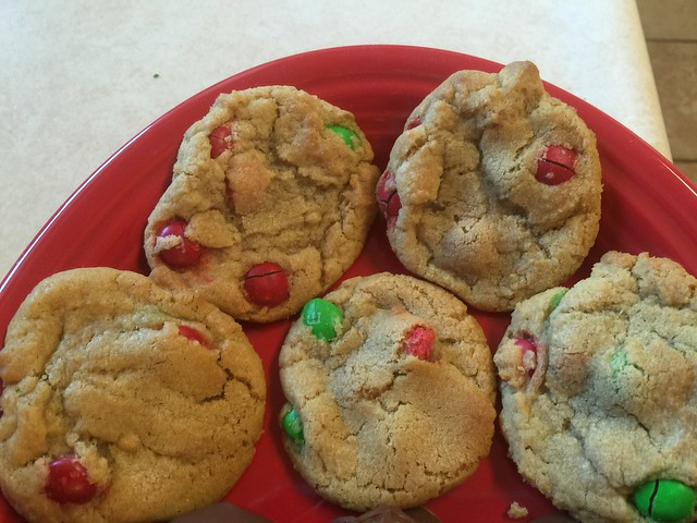 Christmas Goodies: Holiday M & M Cookies