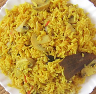 Simple and Easy Mushroom Biriyani in a pressure cooker