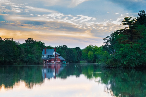 RWP Boathouse by Eddy via I {heart} Rhody
