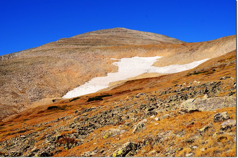 The snowfield beside the trail 2