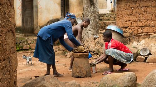 regionkara tgo togo geo:lat=966176000 geo:lon=117883167 geotagged tcharé africa pottery