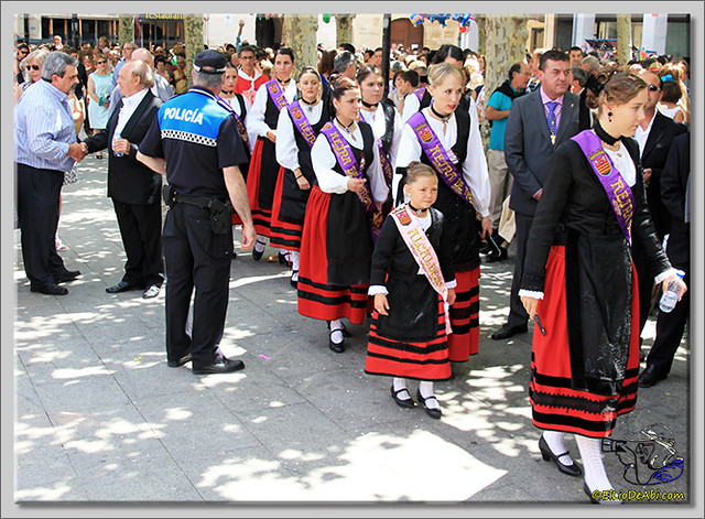 Briviesca en Fiestas 2.015 Recepción en el Ayuntamiento y canto popular del Himno a Briviesca (10)