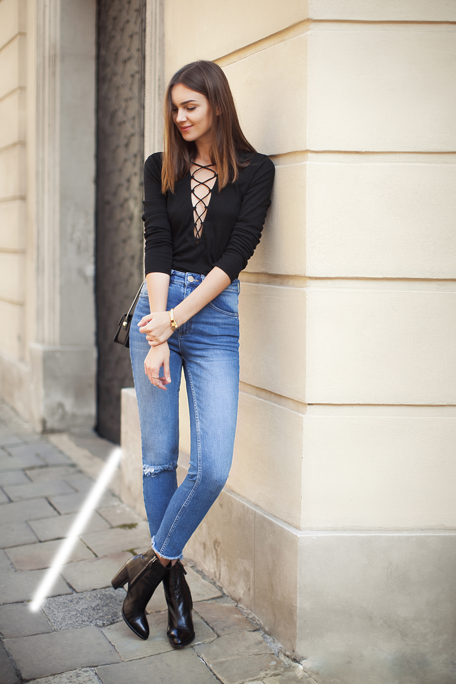 high-waisted-jeans-street-style-outfit-fashion-blog