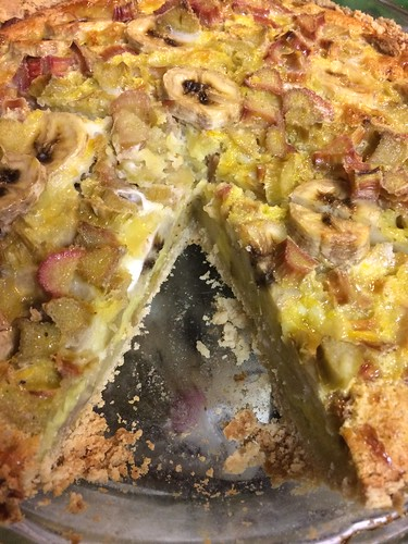 Making Rhubarb Banana Custard Pie