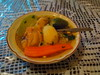 Caldo de pollo y verduras.