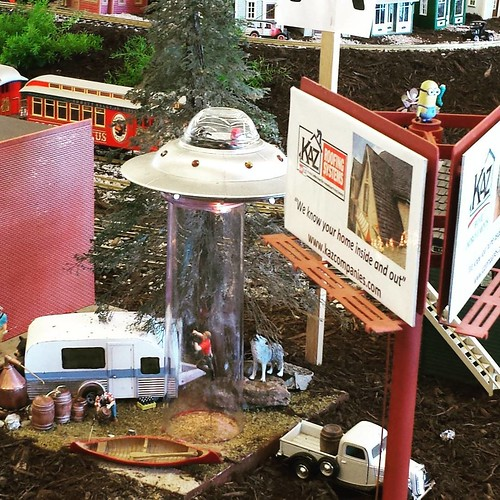 In this year's model railroad layout at The Fair: Alien abductions! (And Minions hidden throughout.) #ErieCountyFair #modelrailroad #minions
