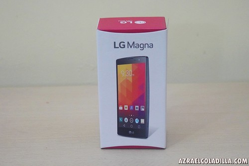 unboxing LG Magna
