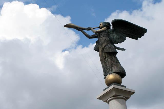 """Statue dans la """"République indépendante"""" de Vilnius."""