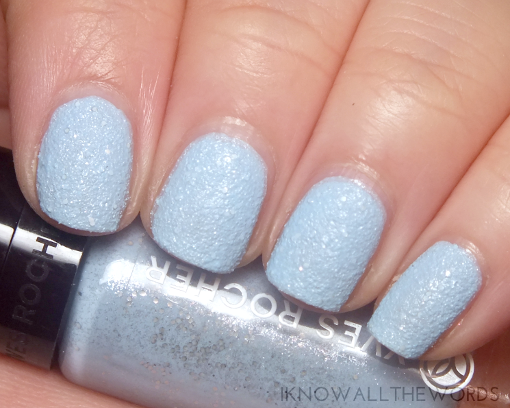 Yves Rocher Holiday 2015 Botanical Colour Nail Polish Frosted Blue,