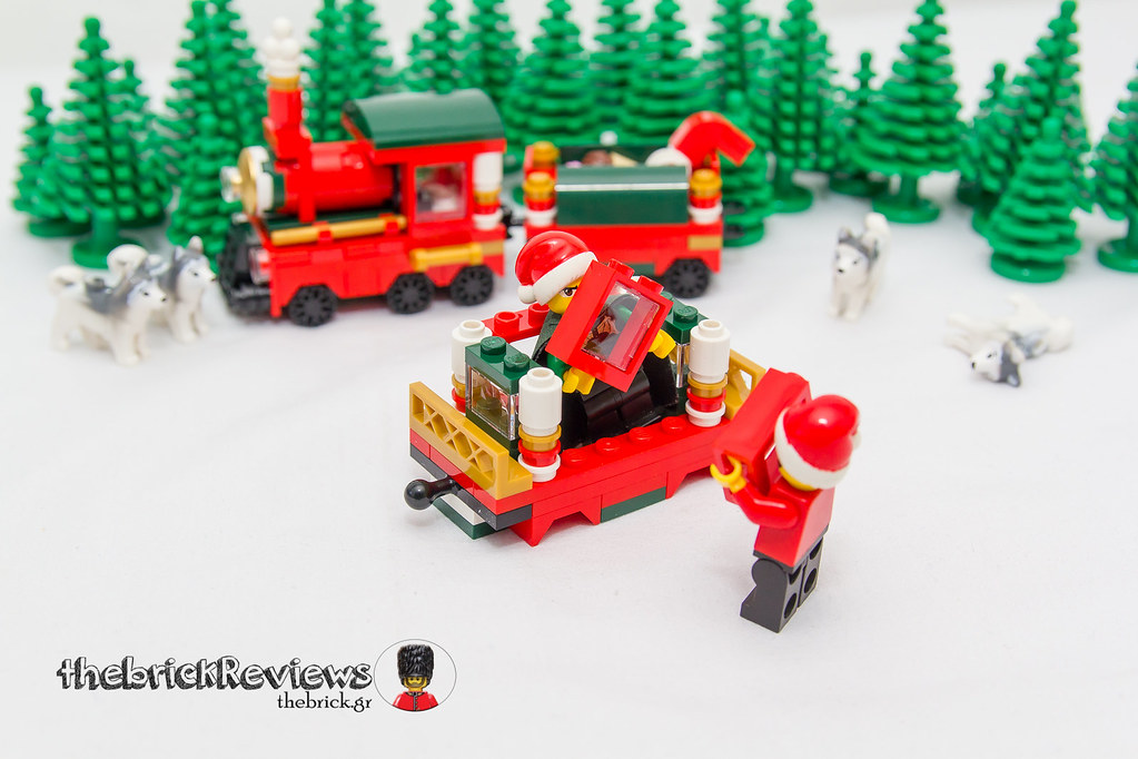 ThebrickReview: Christmas Train - 40138 - Limited Edition 2015 23091032714_530914277e_b