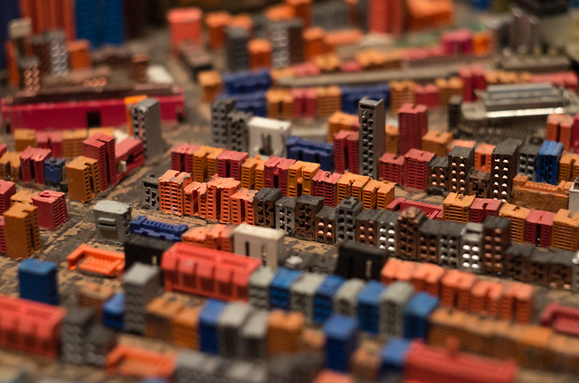Red Neighborhood   ///   Barrio Rojo