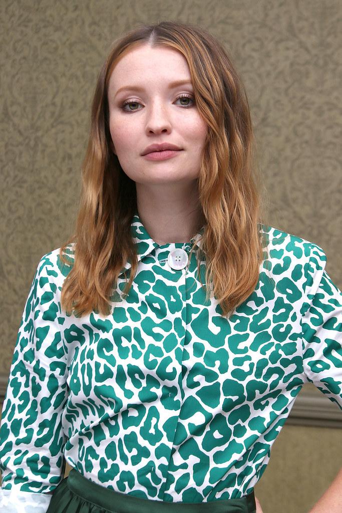 Эмили Браунинг — Пресс-конференция «Легенда» на «TIFF» 2015 – 9