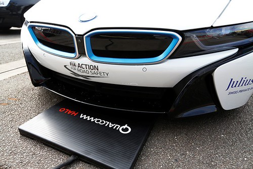 FIA Formula E Test Day, Donington Park, UK..Tuesday 25 August 2015..Qualcomm Halo wireless charging demo.Photo: Sam Bloxham/FIA Formula E/LAT.ref: Digital Image _SBL0952