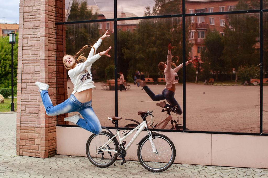 Dancing bicycle belle