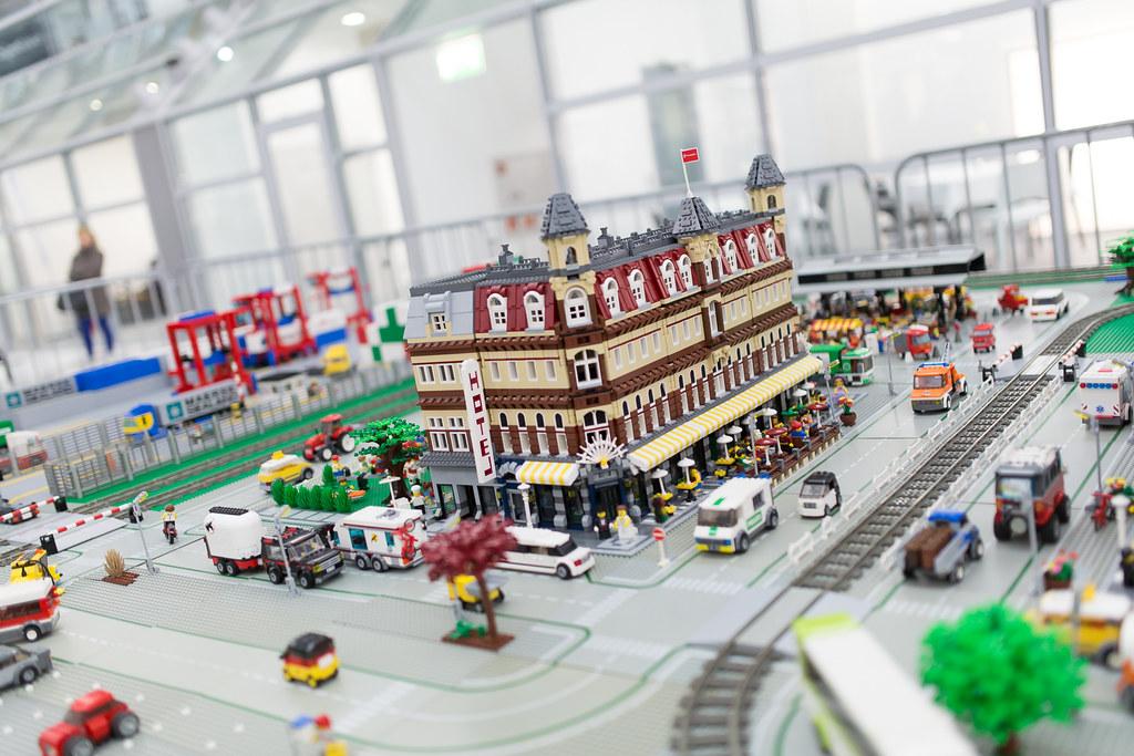 [LUG Exhibition]:Bricking Bavaria (Μόναχο 1-11-2013) pic heavy 21466278476_9c1df7d437_b
